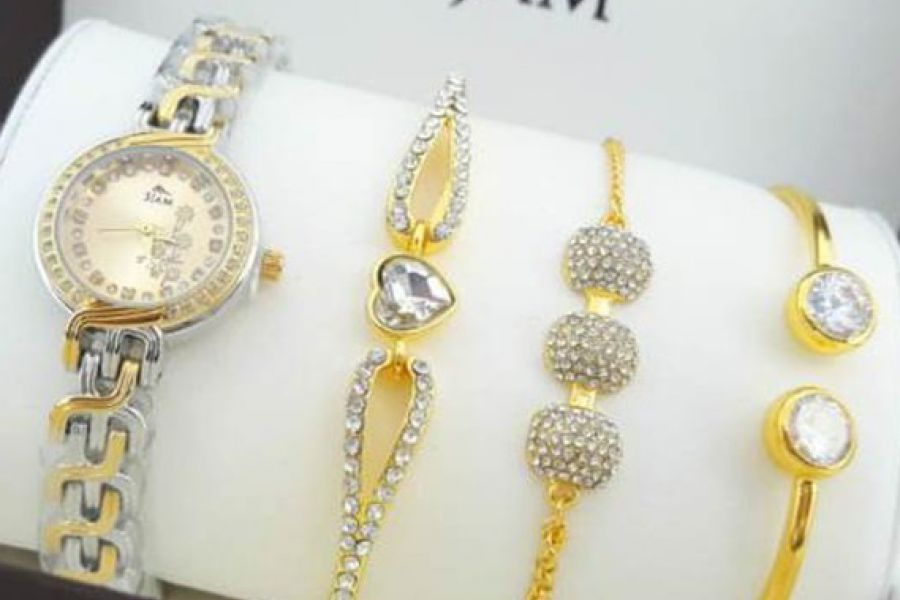 3JAM - Ladies Watch with Bangle Set Gold Plated